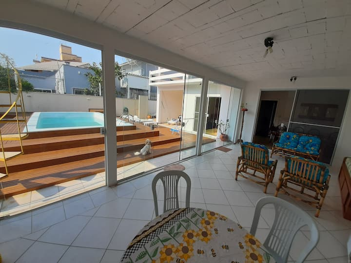Large house with pool close to Canasvieiras beach