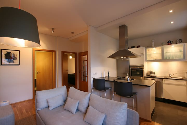 Private entrance apartment, perfect location