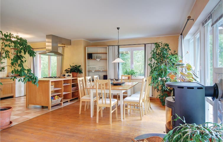 Holiday cottage with 4 bedrooms on 140 m² in Uslar