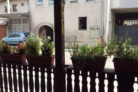 Hostel Aksoy room no. 2 / 3 beds /shared bathroom - Mostar