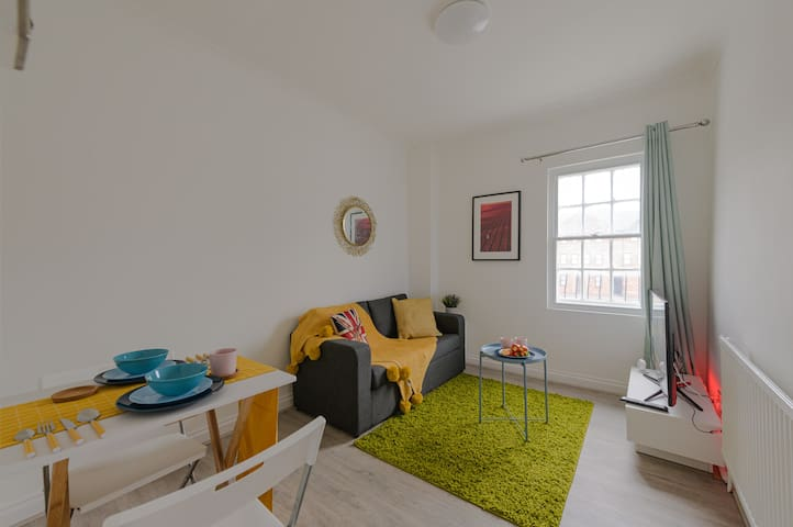 ⭐Cosy 1bd flat Reading Town/Train St with Parking⭐