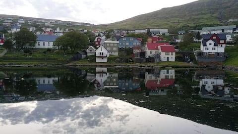Hyggelig hytte ved havet