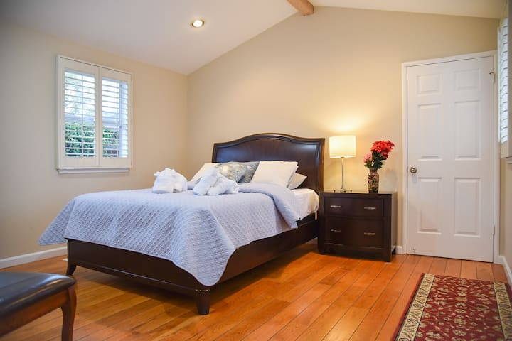 Business+Family Friendly Home ♥ of Silicon Valley