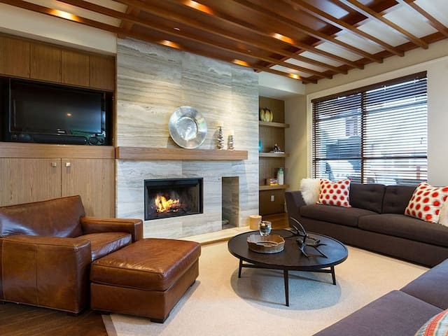 Westcoast Contemporary Townhome with Private Hot Tub and Outdoor Fireplace