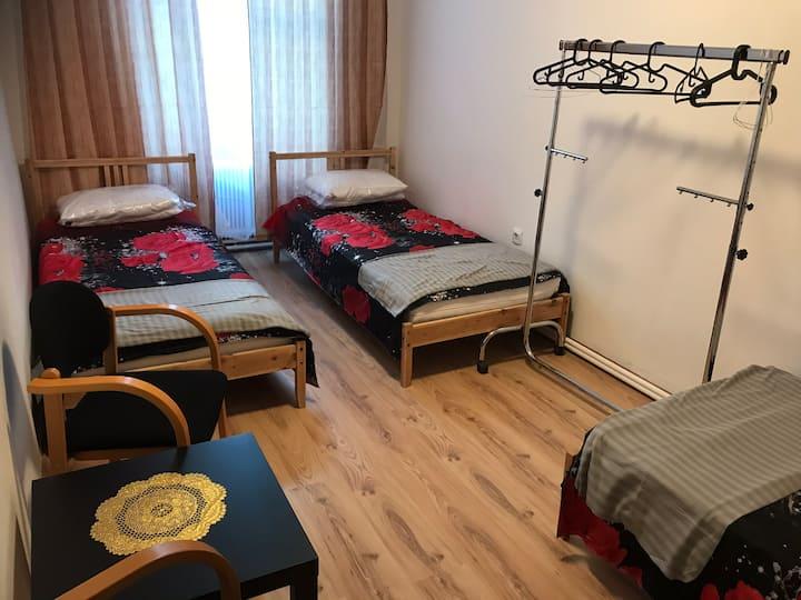 Zimmer in Wien für 3 Personen RS4 Zentrumsnah