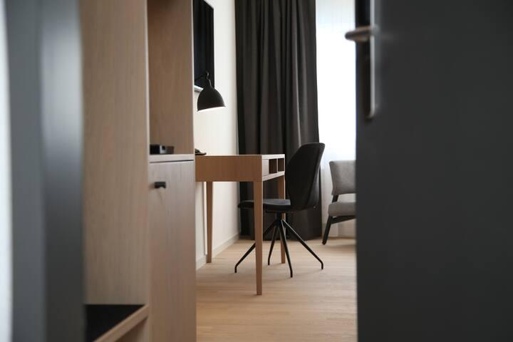 Longstay Zimmer mit Restaurant in 4 Sterne Hotel