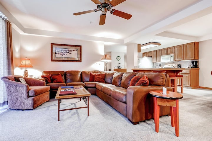 Inviting ski-in/ski-out slopeside condo w/ shared pool, hot tubs, fitness & more