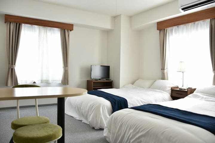 Great location 2min from station! Central Yokohama - Naka Ward, Yokohama - Lejlighed