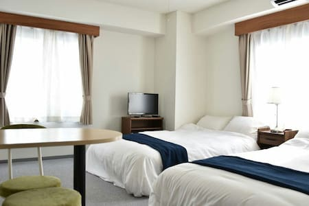 Great location 2min from station! Central Yokohama - Naka Ward, Yokohama - Leilighet