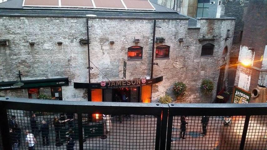 Overlooking Jameson Distillery - Dublin - Loft