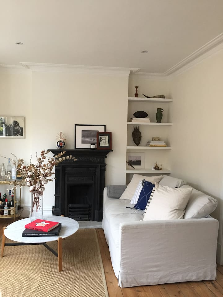 Bright, airy & stylish flat in quiet leafy street