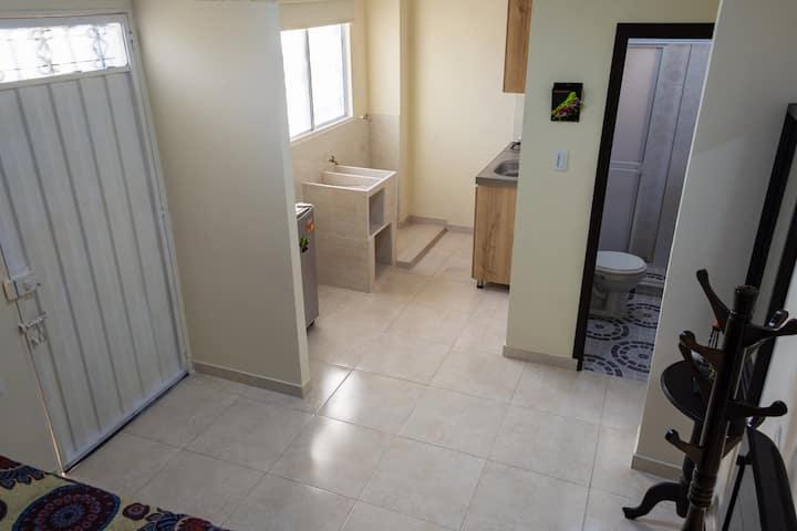 Confortable apartaestudio, entrada independiente