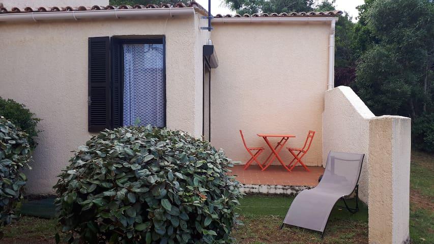 Studio maisonnette résidence 2 piscines Porticcio
