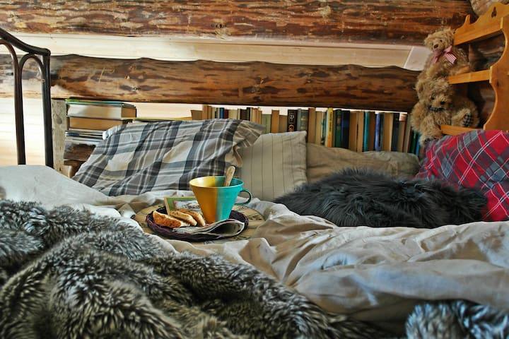 Nukkuparvi - a sleeping loft