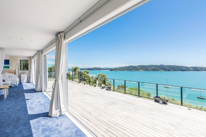 Endless sea views, your private resort on Waiheke
