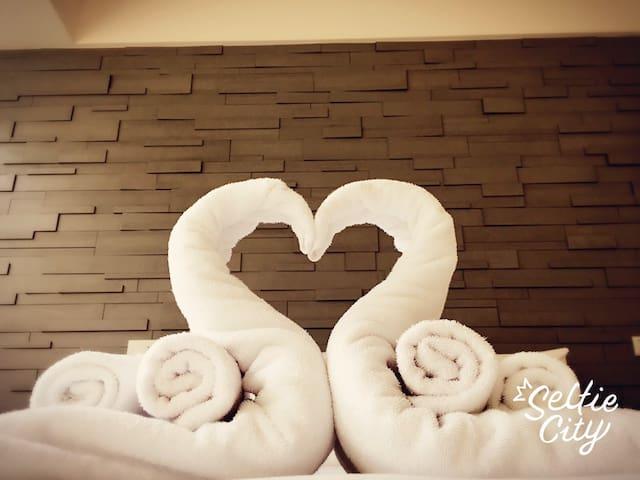 幸福和室二人居~明亮舒適空間~立即預訂啾~愛上淡水之旅