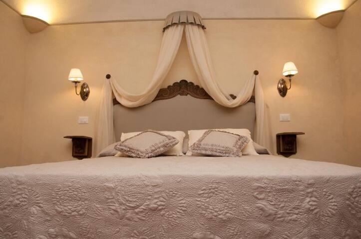 Relax in Toscana- Le Camere del Borgo
