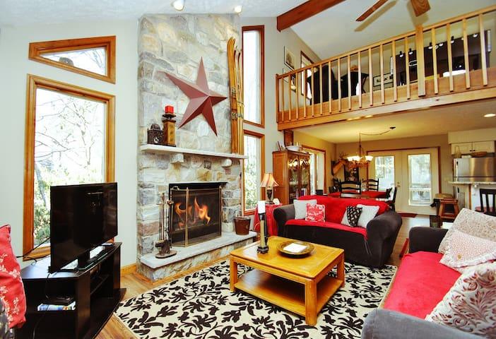 La Maison De Reunion - Pocono Pines - Rumah