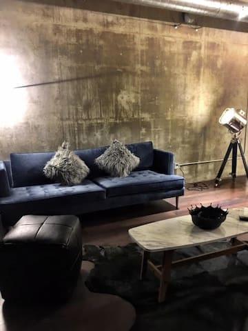 CHIC LOFT, modern, fun, comfortable