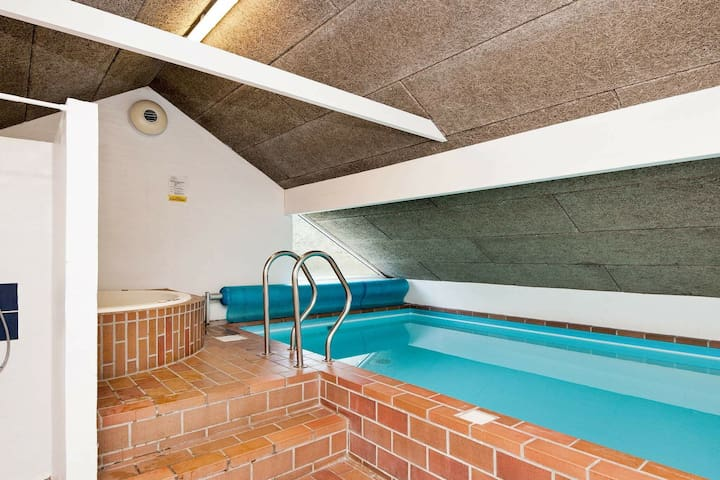 Cozy Holiday Home in Rømø with Swimming Pool