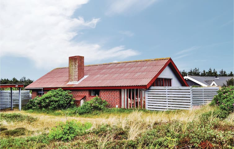 Holiday cottage with 3 bedrooms on 87m² in Hvide Sande