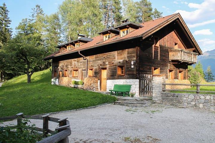 """Wohnung """"Brunnenhaus"""" in Tiroler Bauernhaus - Gemeinde Mieming - Wohnung"""