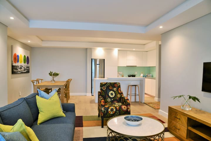 Stunning 2 Bedroom Apartment in Green Point