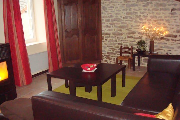 Grande maison bourguignonne - Saint-Vallerin - Dům
