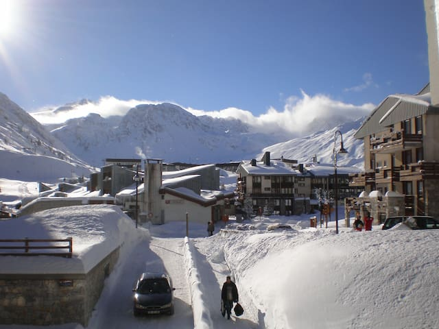 Ski Tignes,sleeps 4,central,easy access, studio
