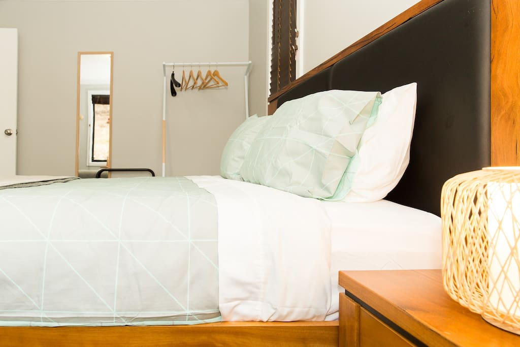 The premium bed comes with hangers, suitcase rack and drawers for your convenience.