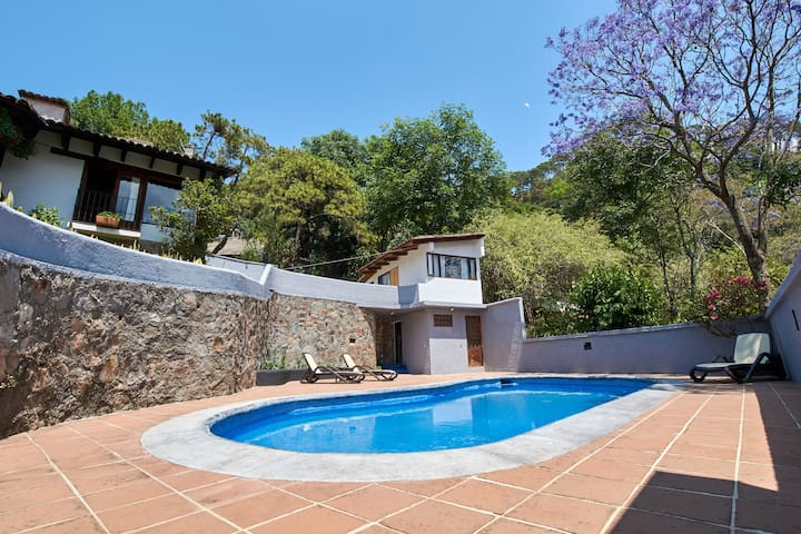 Casa con alberca en Valle de Bravo.