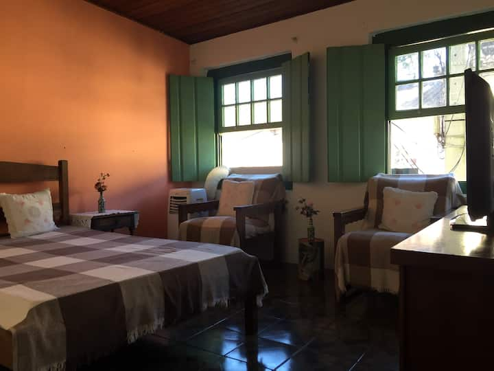 Casa Tombada em Paraty