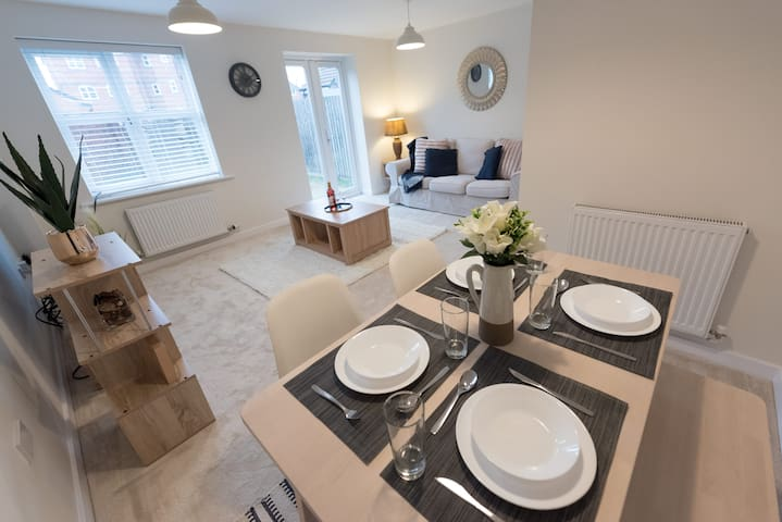 🌟Homely 4 Bed townhouse near Royal Derby Hospital🌟