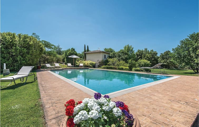 Holiday cottage with 4 bedrooms on 200m² in Vitorchiano  VT