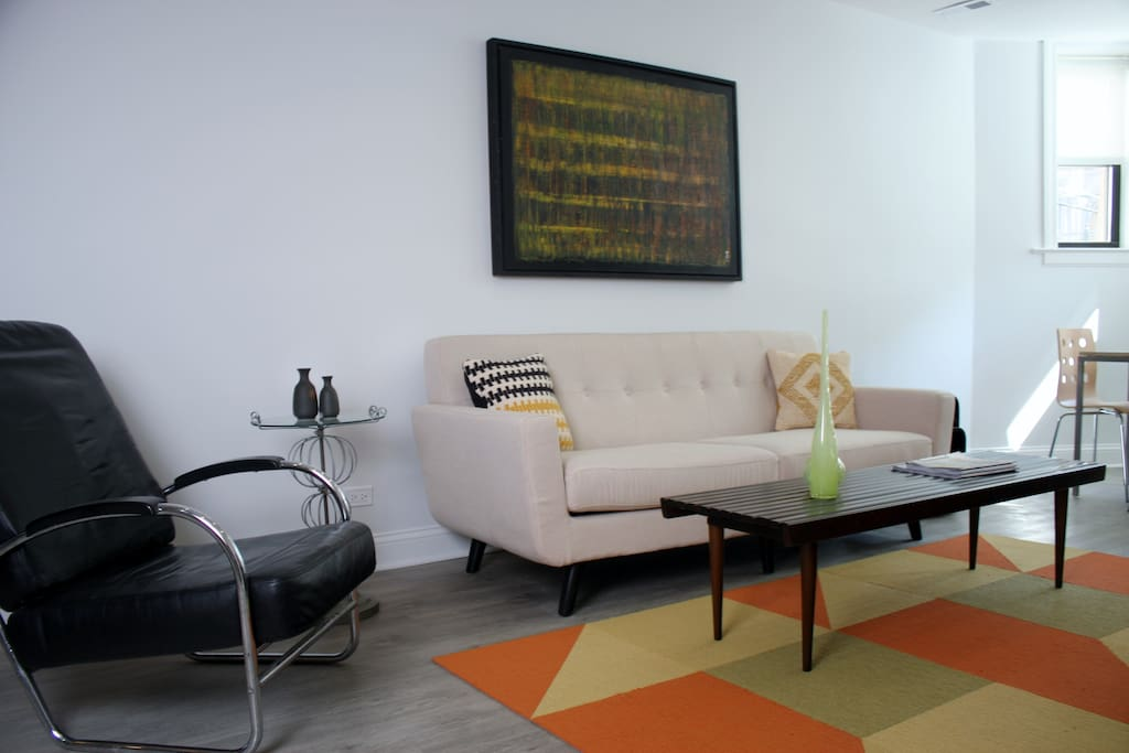 Living Room - Bright and Sunny!