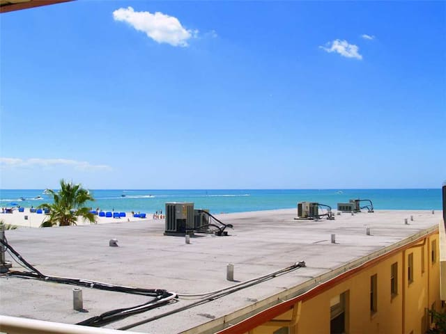 One Bedroom One Bath Covered Balcony with Nice upgrades - Great Beach Value - Free Wifi - #335 Surf Song Resort