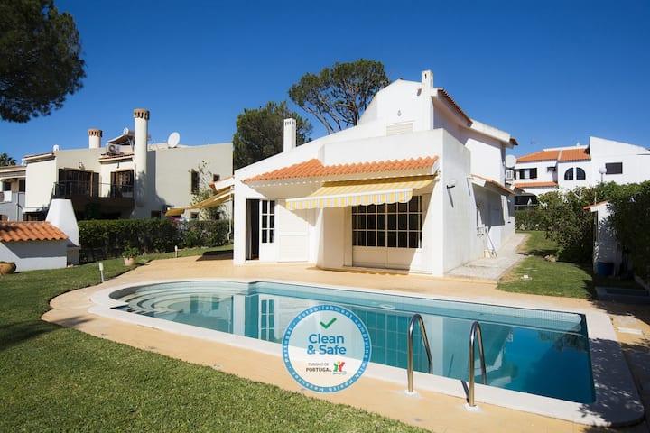 Villa Mianas by SAPvillas