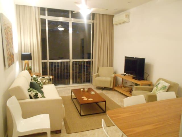 Elizabeth 305 | Wi-fi | TV | 2 Bedrooms | 4 pax