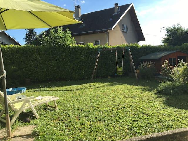 Joli rez de jardin à Annecy