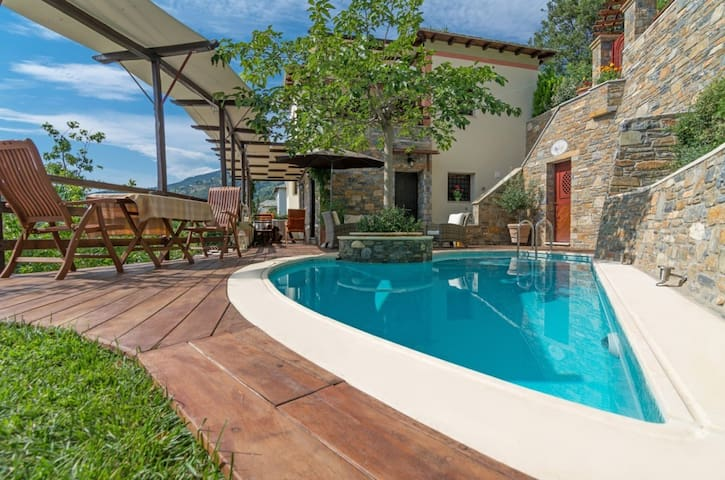 Aenaon Residence at Pelion Milies w private pool - Milies - Villa