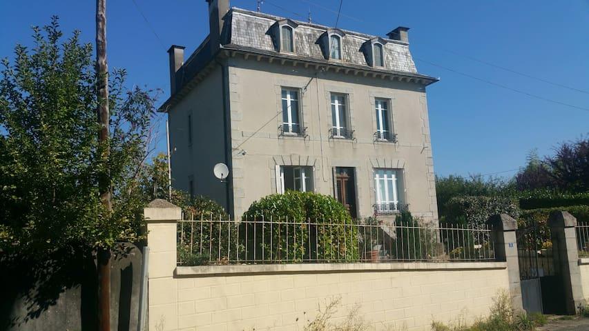 Maison centre ville Maurs la jolie