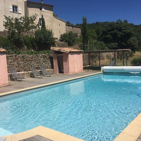 """Cévennes """"nid d'aigle"""" vue-calme-piscine-piano... - Sainte-Croix-de-Caderle - Haus"""