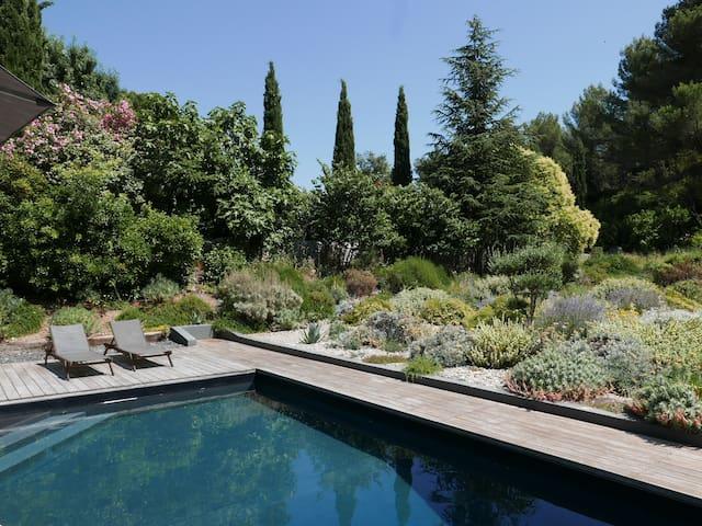 Villa d'architecte avec piscine à 20 min de Cassis