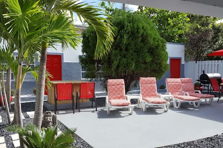 Suite on the beach, (1/1 apartment) - Lauderdale-by-the-Sea