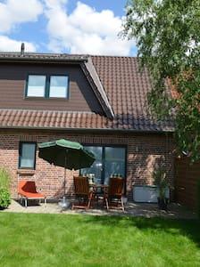Ferienhaus in Ostseenähe - Wohnung 2 - Damshagen