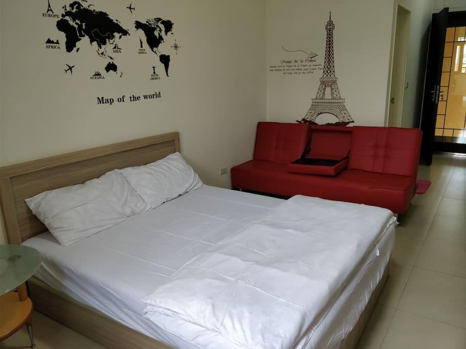 雙人床跟沙發床