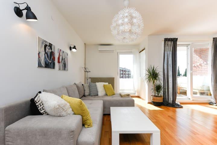 Beautiful, cozy and sunny apartment Mareta, Zadar