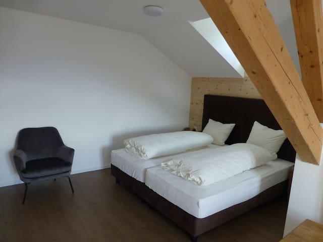 Hotel Süsom Givè, (Tschierv), Vier-Bett-Zimmer