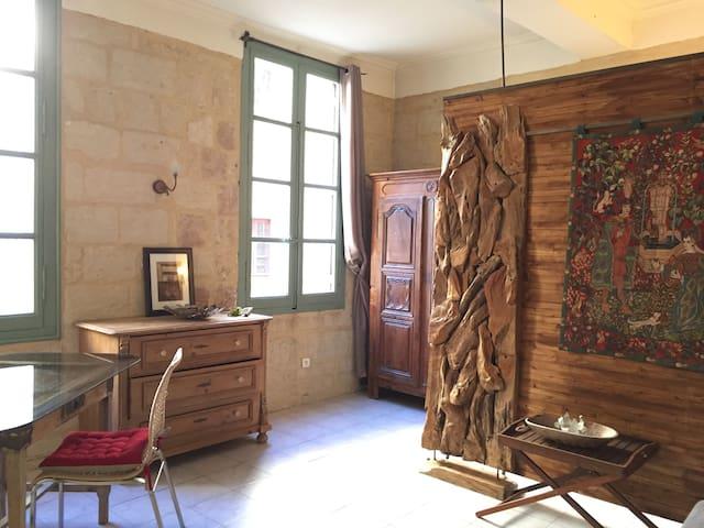 Studio, 1 mn de la Place aux Herbes - Uzès - Apartmen