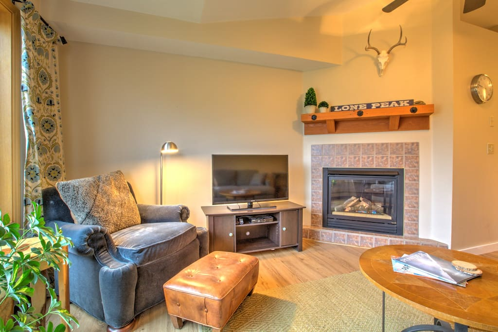 Comfy living room with gas fireplace